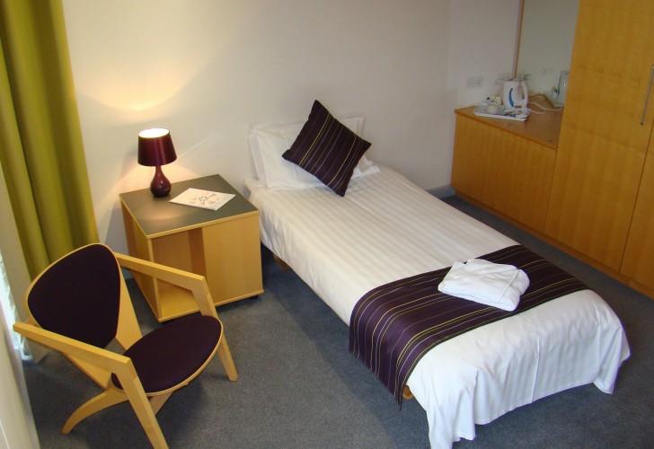 Photo of ensuite bedroom Buckingham House