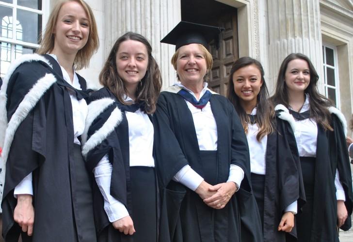 Photo of Dame Barbara Stocking with Murray Edwards College graduates