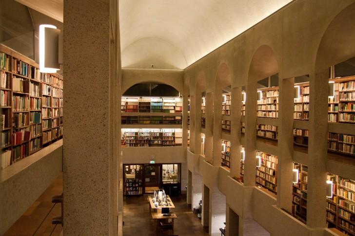 Rosemary Murray Library
