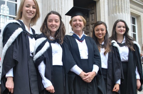 Photo of Dame Barbara Stocking with Murray Edwards College graduates